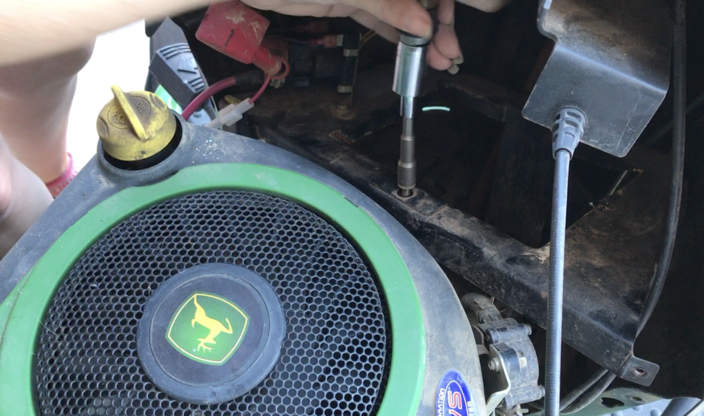 Remove battery support on John Deere
