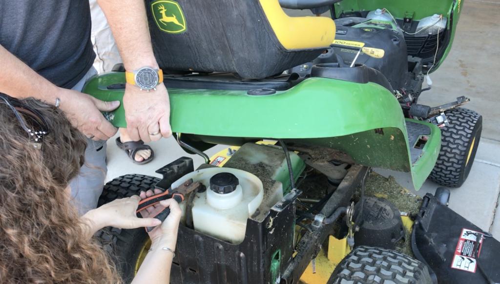 remove gas hose on gas tank of john deere la115